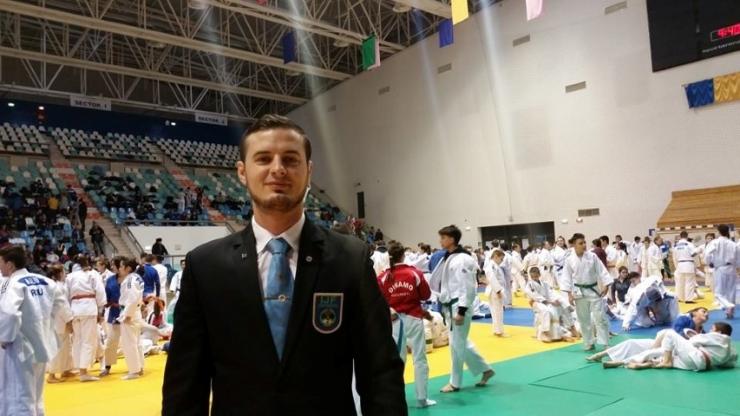 Vasile Fușle jr. arbitrează la Cupa Europei la Judo