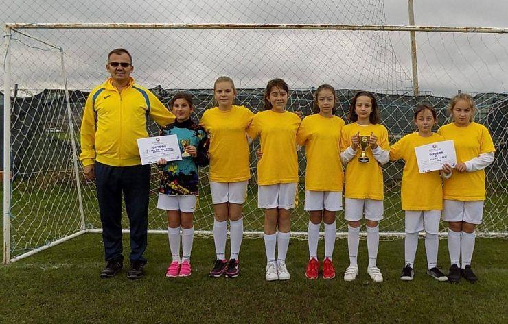 Performanţă | Echipa de fotbal feminin Daliana Carei, locul III la Turneul Final U12