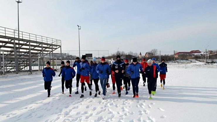 Trei jucători care au evoluat în tur la Unirea Tășnad au început pregătirile cu o echipă din Liga 2