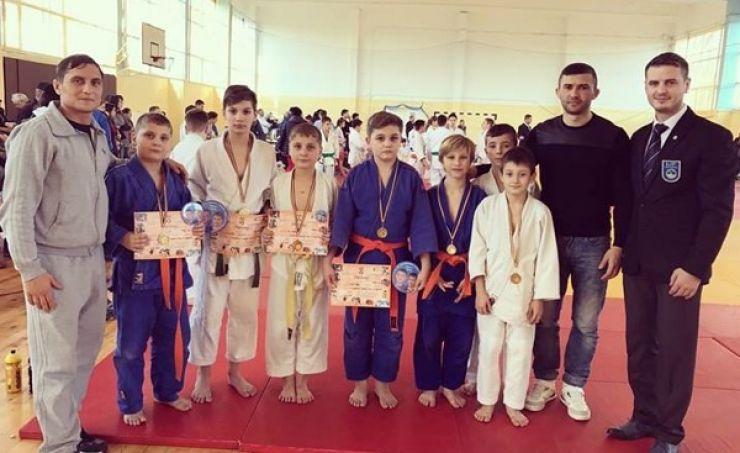 Rezultate bune obținute de judoka de la CS Fușle Security la turneul internațional din Oradea