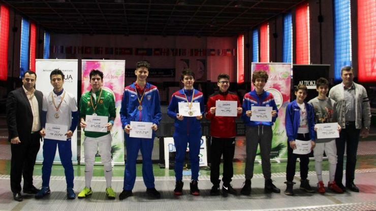 Ziua 1 | Alexandru Sîrb a câștigat Campionatul Național de floretă pentru cadeți de la Satu Mare