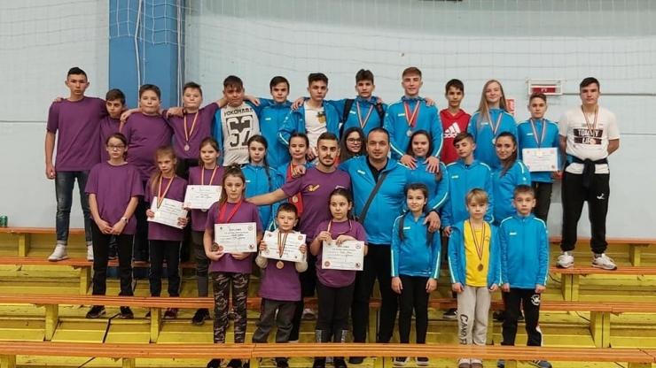 Karateka de la Yakuza Satu Mare au câștigat 21 de medalii la Cupa Sho-Dan Karate