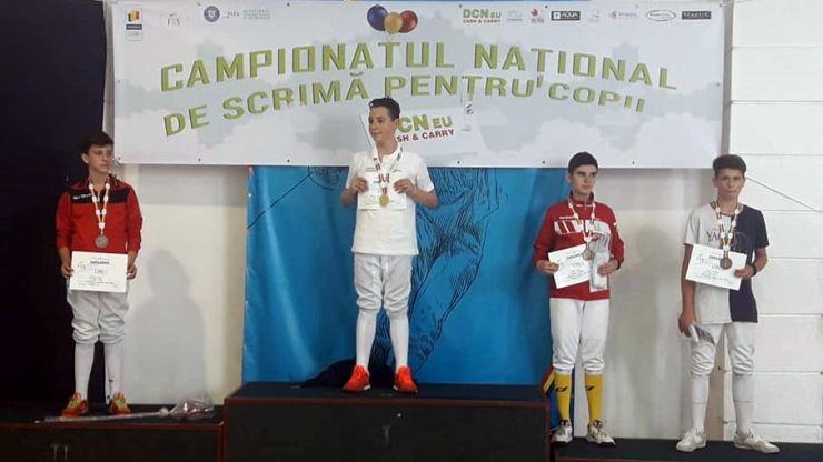 Luca Gurza (CS Satu Mare), vicecampion național la spadă - individual (categ. 12-13 ani)
