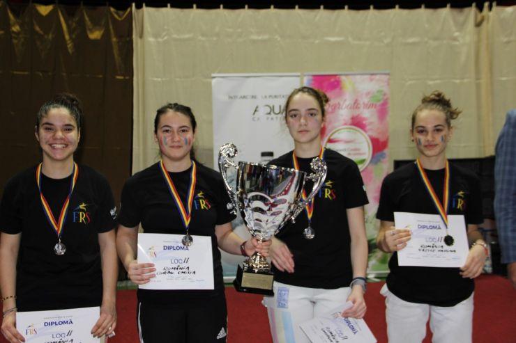 Cupa Satu Mare | România s-a clasat pe locul 2 la floretă cadeți feminin. Trofeul a fost câștigat de Japonia