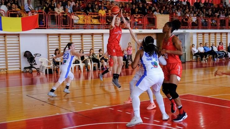 Baschet | CSM Satu Mare conduce cu 2-0 în semifinala cu Olimpia CSU Brașov