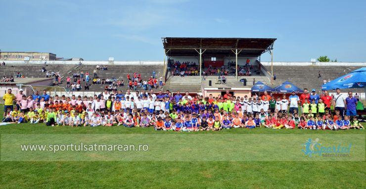 Bucuria de a juca fotbal. Sute de copii s-au distrat astăzi la Interliga Națională